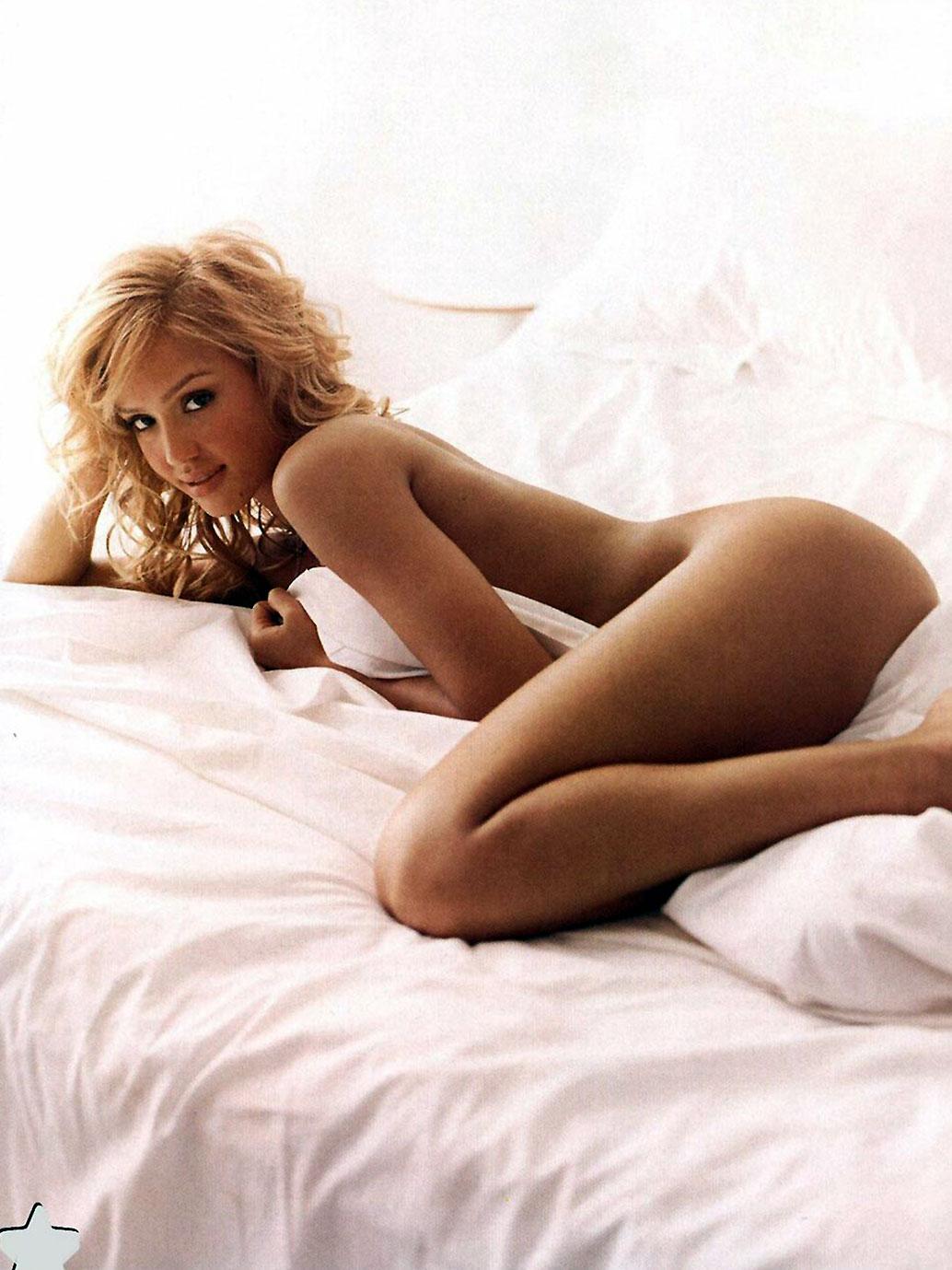 Jessica Alba Sexy Topless