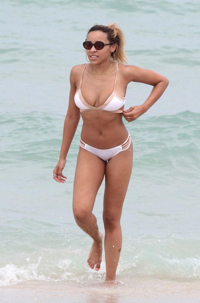 Kachingwe nude tinashe Tinashe nude,
