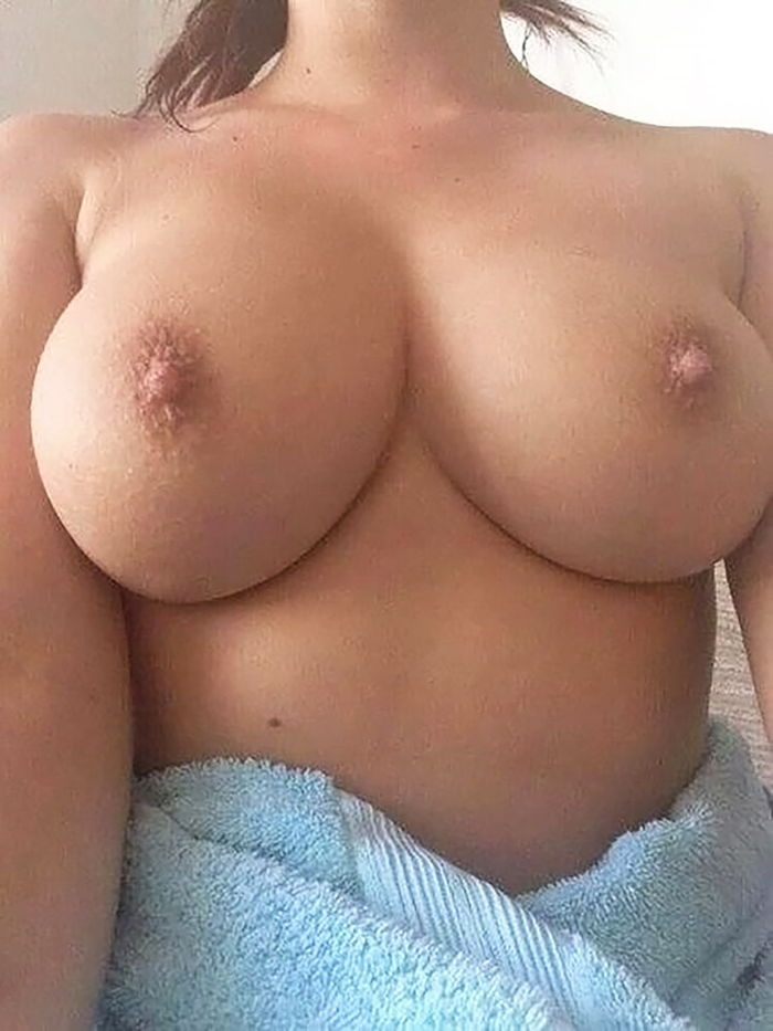 Nackt angie griffin Nude celebrity