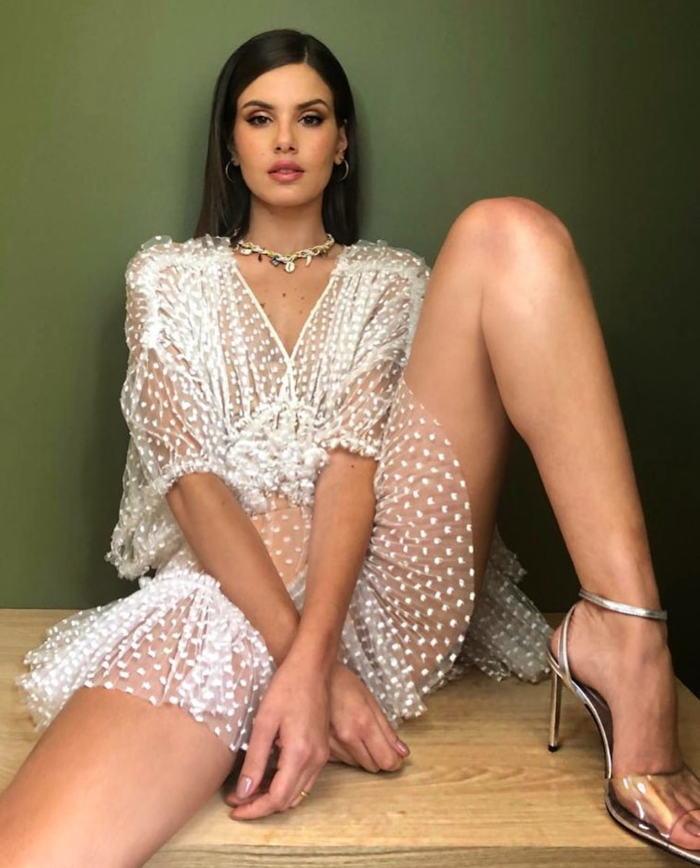 Queiroz  nackt Camila Nude Photos