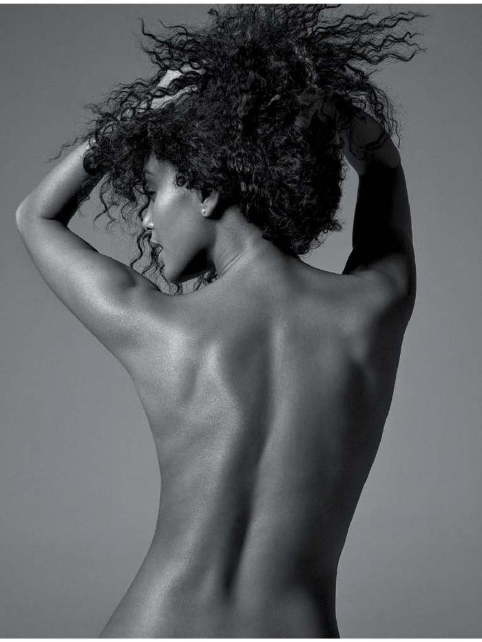 Tais Araujo topless