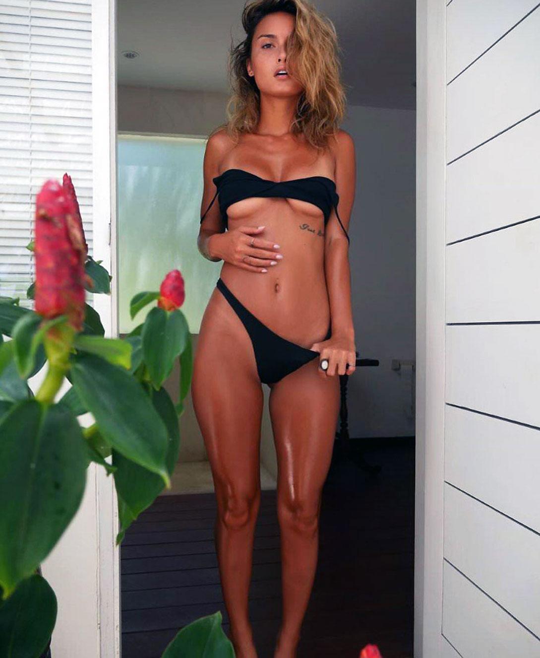Alyson Hannigan nude photos: Readhead will leave you
